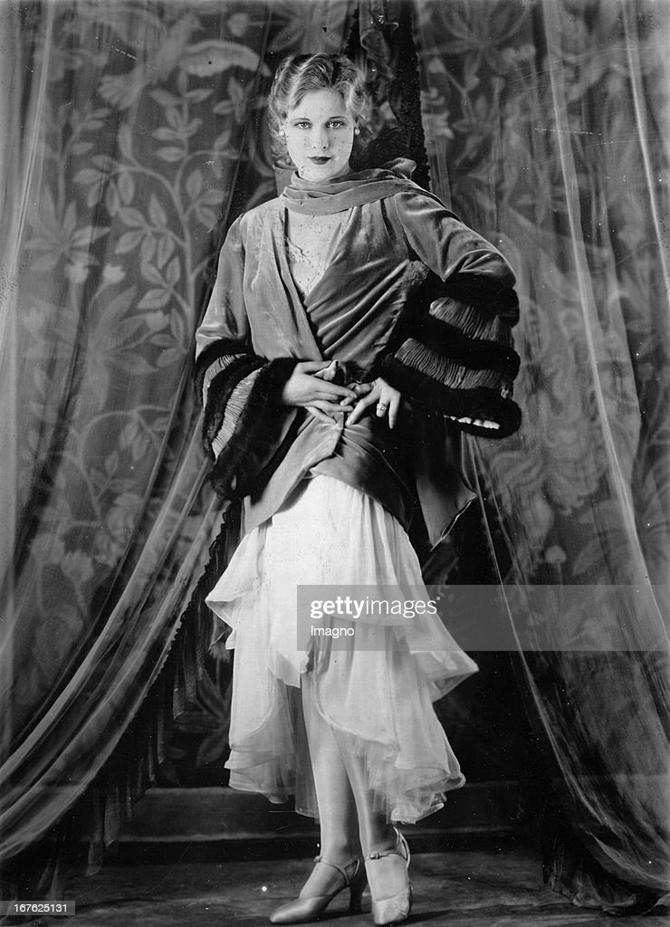 Esther Ralston. US-american actress. About 1930. Photograph. (Photo by Imagno/Getty Images) Die amerikanische Schauspielerin Esther Ralston. Um 1930. Photographie.