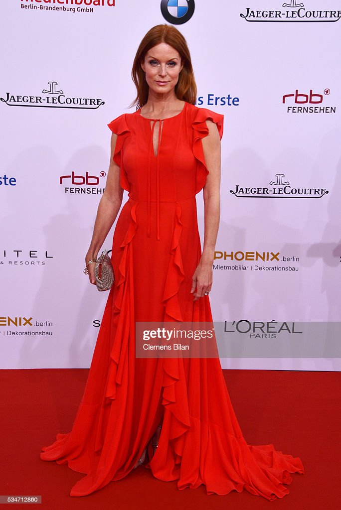 <a gi-track='captionPersonalityLinkClicked' href=/galleries/search?phrase=Esther+Schweins&family=editorial&specificpeople=213050 ng-click='$event.stopPropagation()'>Esther Schweins</a> attends the Lola - German Film Award (Deutscher Filmpreis) on May 27, 2016 in Berlin, Germany.