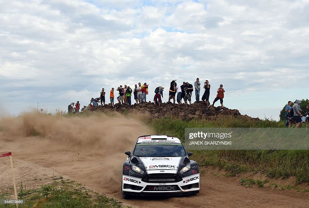 Estonian driver Ott Tanak and his compatriot co-driver Raigo Molder drive their Ford Fiesta RS WRC during the special stage of The Rally of Poland in Chmielewo, north of Poland on July 1, 2016. / AFP / JANEK