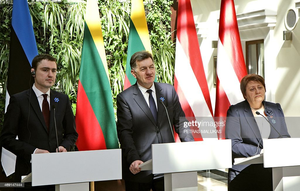 Estonian Prime Minister Taavi Roivas (L), Lithuanian Prime Minister Algirdas Butkevicius (C) and Latvia Prime Minister Laimdota Straujuma attend a press conference after a session of the Baltic Council of Ministers meeting in Vilnius on April 10, 2015.