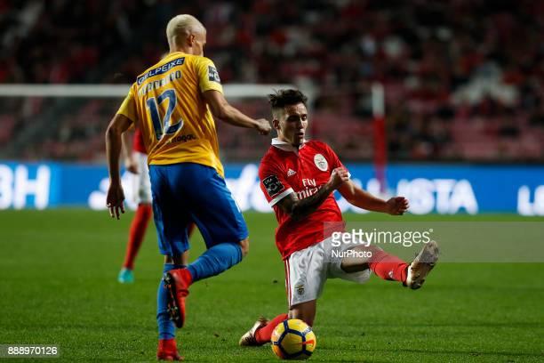 Estoril's defender Fernando Fonseca vies for the ball with Benfica's defender Alejandro Grimaldo during Primeira Liga 2017/18 match between SL...