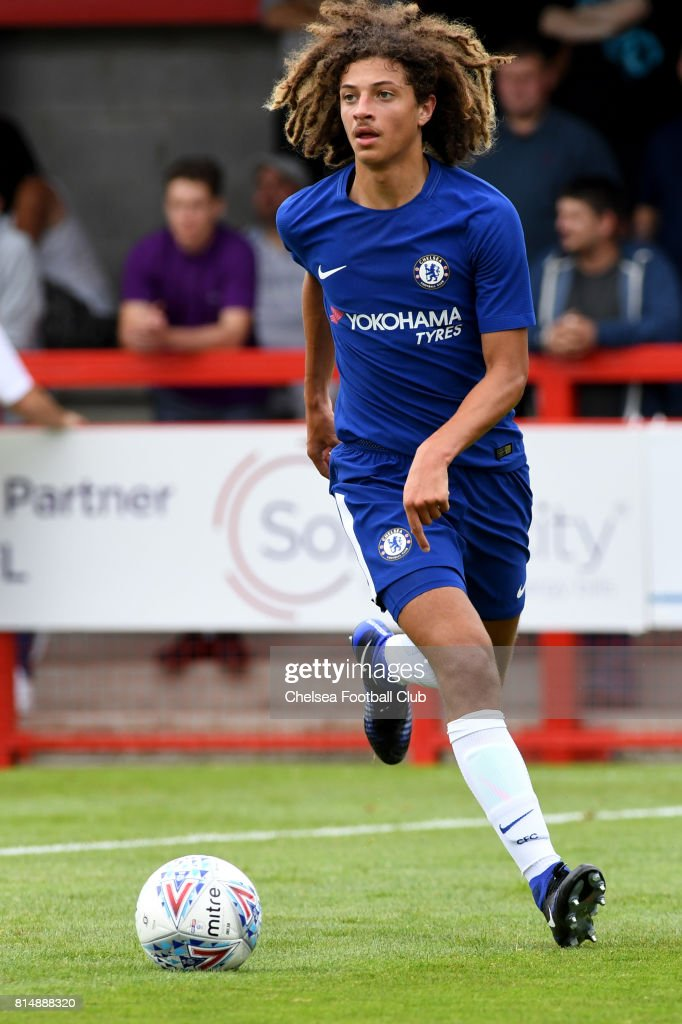 ethan-ampadu-during-the-chelsea-xi-vs-cr