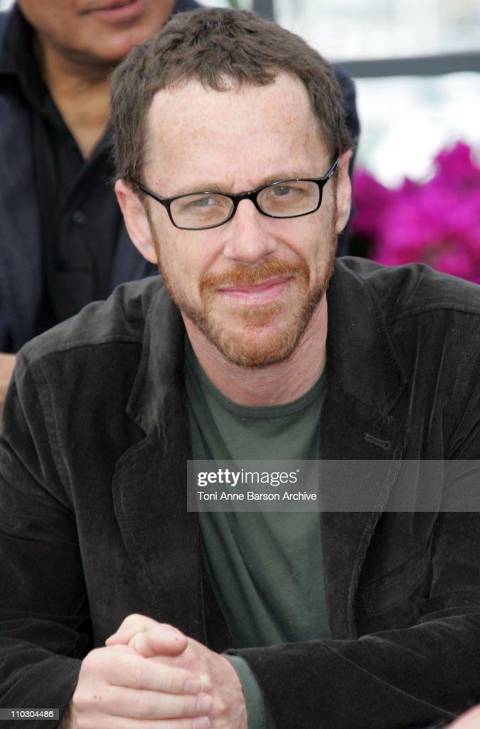 "2007 Cannes Film Festival - ""Chacun Son Cinema"" All Directors Photocall"