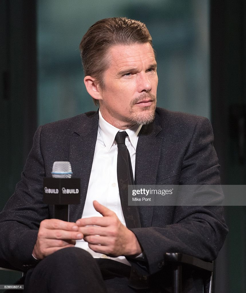 Ethan Hawke attends the AOL Build Speaker Series to discuss 'Maggie's Plan' at AOL Studios In New York on May 5, 2016 in New York City.