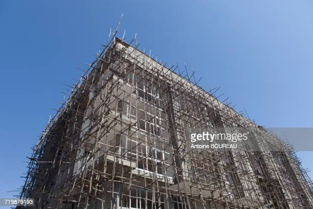 Ethiopia, Scaffold constituted by stick on a 4 floors building, Awassa