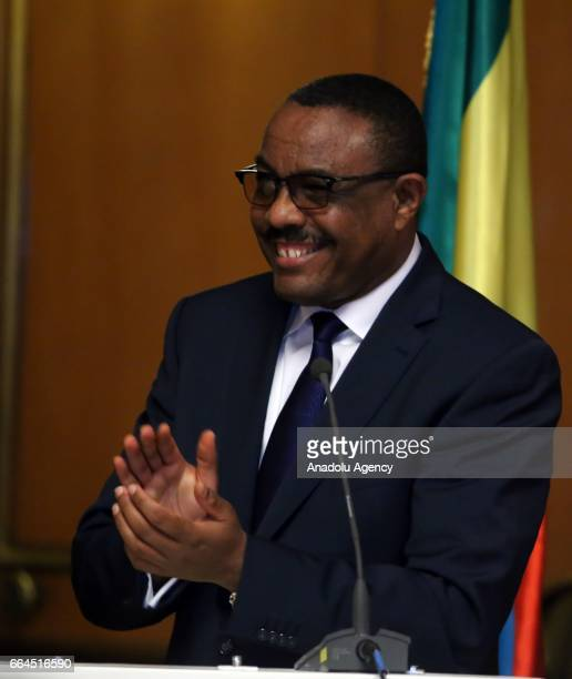 Ethiopian Prime Minister Hailemariam Desalegn speaks during a joint press conference with Sudanese President Omar alBashir at National Palace in...