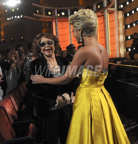 Etta James And Beyonce On Stage During The Conde Nast