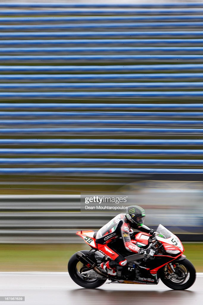 <a gi-track='captionPersonalityLinkClicked' href=/galleries/search?phrase=Eugene+Laverty&family=editorial&specificpeople=4253466 ng-click='$event.stopPropagation()'>Eugene Laverty</a>(#58) of Ireland on the Aprilia RSV4 factory for the Aprilia Racing Team competes during the World Superbikes Practice Session at TT Circuit Assen on April 26, 2013 in Assen, Netherlands.