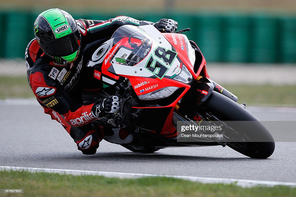 <a gi-track='captionPersonalityLinkClicked' href=/galleries/search?phrase=Eugene+Laverty&family=editorial&specificpeople=4253466 ng-click='$event.stopPropagation()'>Eugene Laverty</a> (#58) of Ireland on the Aprilia RSV4 for the Aprilia Racing Team competes during the World Superbikes Qualifying Session at TT Circuit Assen on April 27, 2013 in Assen, Netherlands.