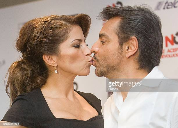 Eugenio Derbez and his wife Alessandra Rosaldo pose for the press during the presentation of the Eugenio's Derbez new movie No Se Aceptan...