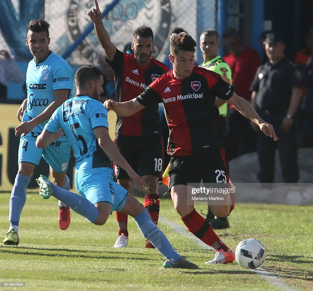 Temperley v Newell's Old Boys - Torneo Primera Division 2016/17