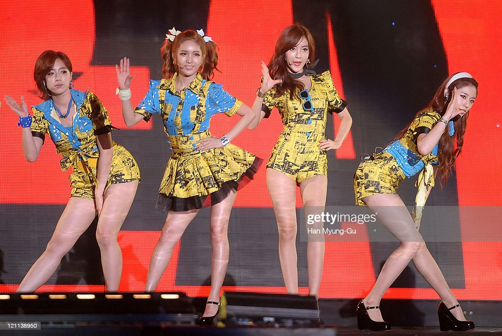 Eun-Jung, Q-Ri, Hyo-Min and Ji-Yeon of T-ara perform onstage during the Incheon Korean Wave Festival 2011 at Incheon World Cup Stadium on August 13, 2011 in Incheon, South Korea.