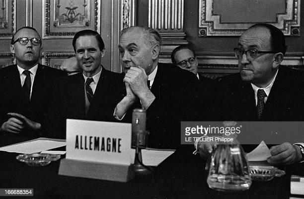 Euratom Common Market In Brussels Bruxelles le 27 juin 1956 lors de la Conférence Intergouvernementale pour le Marché commun et l'EURATOM au château...