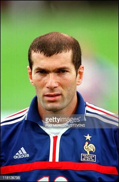 Euro 2000 final France Italy 2 1 in Rotterdam Netherlands on July 02 2000 Zinedine Zidane