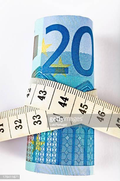 Euro und Absperrband