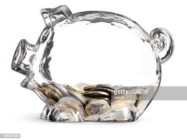 Euro-Münzen in teilweise gefüttert klare sparen Sparschwein Isoliert