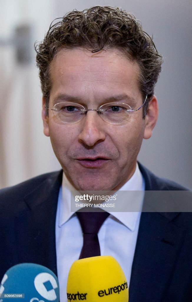 Eurogroup President and Dutch Finance Minister Jeroen Dijsselbloem talks to the media prior to a meeting of Eurogroup ministers at the European Council headquarters in Brussels on February 11, 2016. / AFP / THIERRY MONASSE