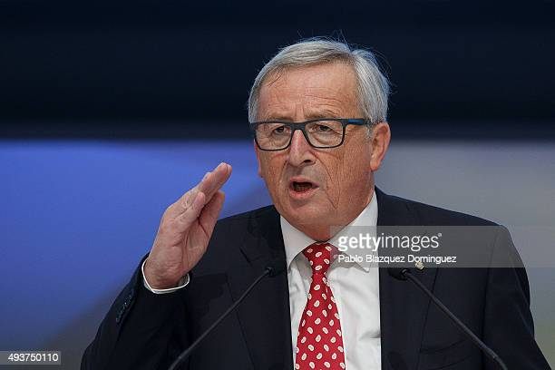 European Commission President JeanClaude Juncker speaks during the plenary session of the European People's Party Congress on October 22 2015 in...