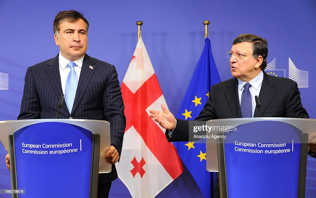 European Commission President Jose Manuel Barroso (R) and President of Georgia Mikheil Saakashvili (L) hold a joint press conference after a meeting at the EU headquarters on October 29, 2013 in Brussels, Belgium.