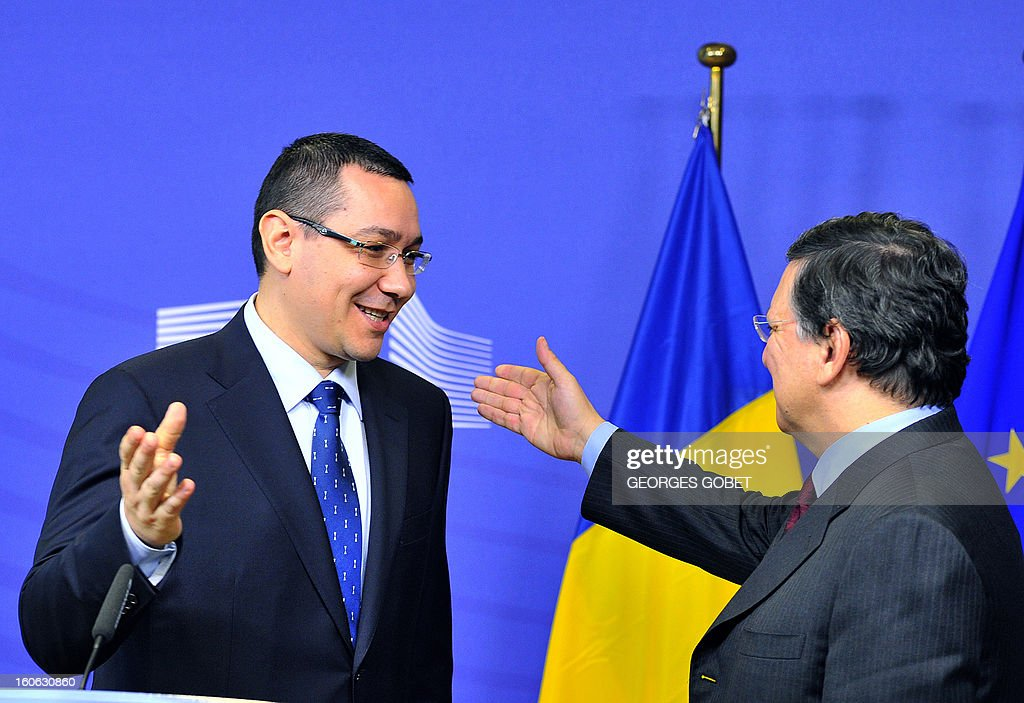 European Commission President Jose Manuel Barroso (R) and Prime Minister of Romania Victor Ponta give a joint press conference after their working session on Feburary 4, 2013 at the EU Headquarters in Brussels.