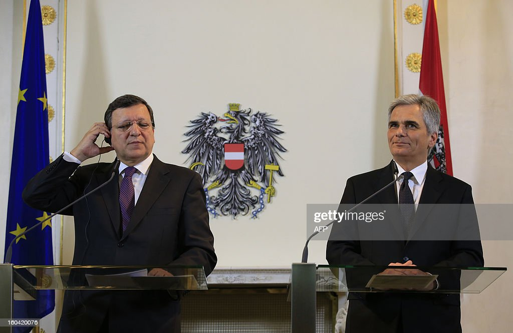 European Commission President Jose Manuel Barroso (L) andAustrian Chancellor Werner Faymann (R) attend a joint press conference in Vienna, Austria on January 31, 2013. Barroso is also scheduled to speak at Arnold Schwarzenegger's environmental movement R20 holds its first conference. AFP PHOTO / ALEXANDER KLEIN