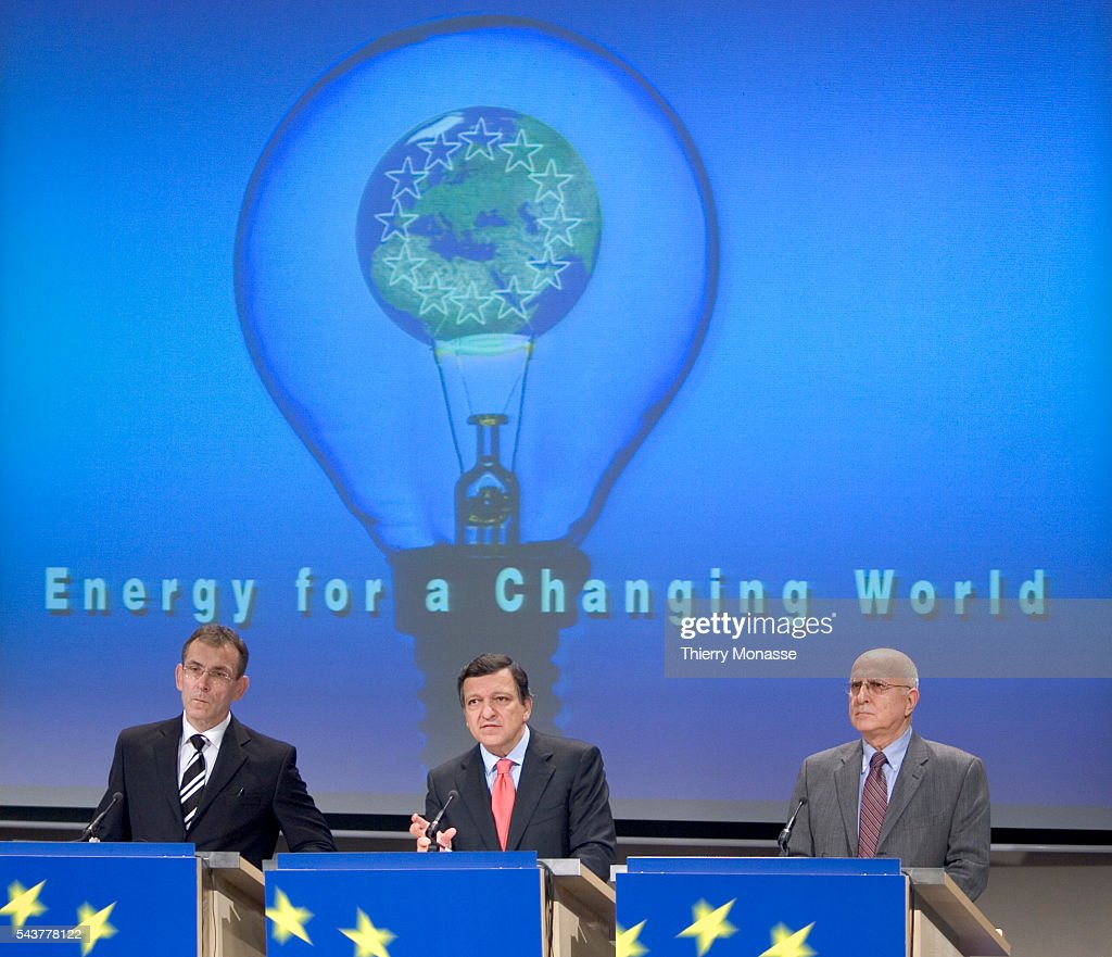 European Commission President Jose Manuel Barroso European Energy Commissioner Andris Piebalgs and Environment Commissioner Stavros Dimas address a...