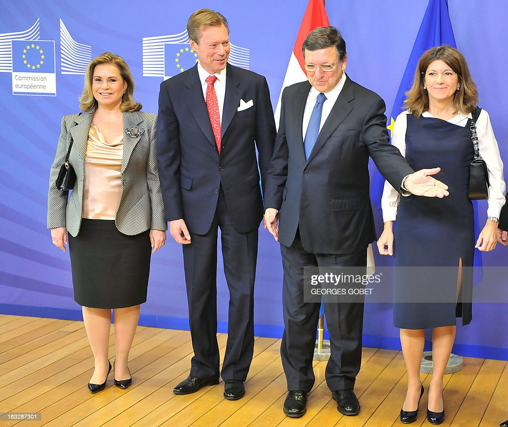 European Commission President Jose Manuel Barroso (2nd R) welcomes Grand-Duchess Maria Teresa of Luxembourg (L), Grand-Duke Henri of Luxembourg (2nd L), and Barroso's wife Maria Margarita Barroso (R) prior to their working session on March 7, 2013 at the EU Headquarters in Brussels.