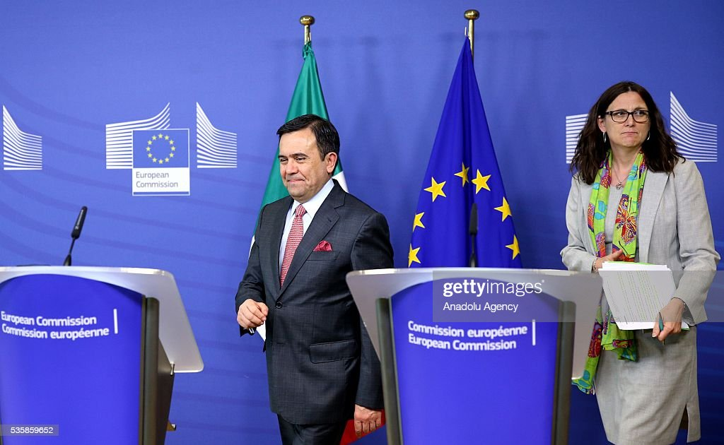 European Commissioner for Trade, Cecilia Malmstrom (R) and Mexican Economy Minister Ildefonso Guajardo Villarreal (L) are seen before a joint press conference after a meeting in Brussels, Belgium on May 30, 2016.