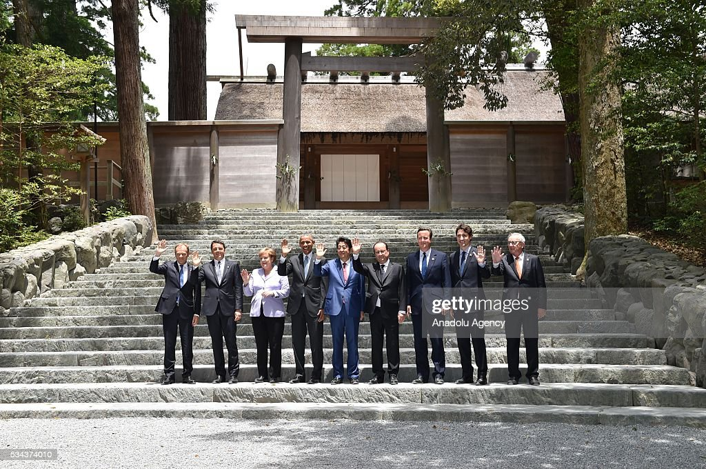 European Council President Donald Tusk, Italian Prime Minister Matteo Renzi, German Chancellor Angela Merkel, US President Barack Obama, Japanese Prime Minister Shinzo Abe, French President Francois Hollande, British Prime Minister David Cameron, Canadian Prime Minister Justin Trudeau and European Commission President Jean-Claude Juncker pose for picture as they visit Ise-Jingu Shrine during the first day of the G7 leaders summit in the city of Ise in Mie prefecture, Japan on May 26, 2016.