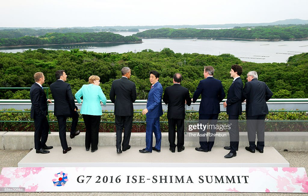 European Council President Donald Tusk, Italian Prime Minister Matteo Renzi, German Chancellor Angela Merkel, U.S. President Barack Obama, Japanese Prime Minister Shinzo Abe, French President Francois Hollande, British Prime Minister David Cameron, Canadian Prime Minister Justin Trudeau and European Commission President Jean-Claude Juncker watch the scenery at the family photo session during the Group of Seven summit on May 26, 2016 in Shima, Mie, Japan. The 2-day Group of Seven summit takes place to discuss key global issues such as global economy and counter terrorism measures.