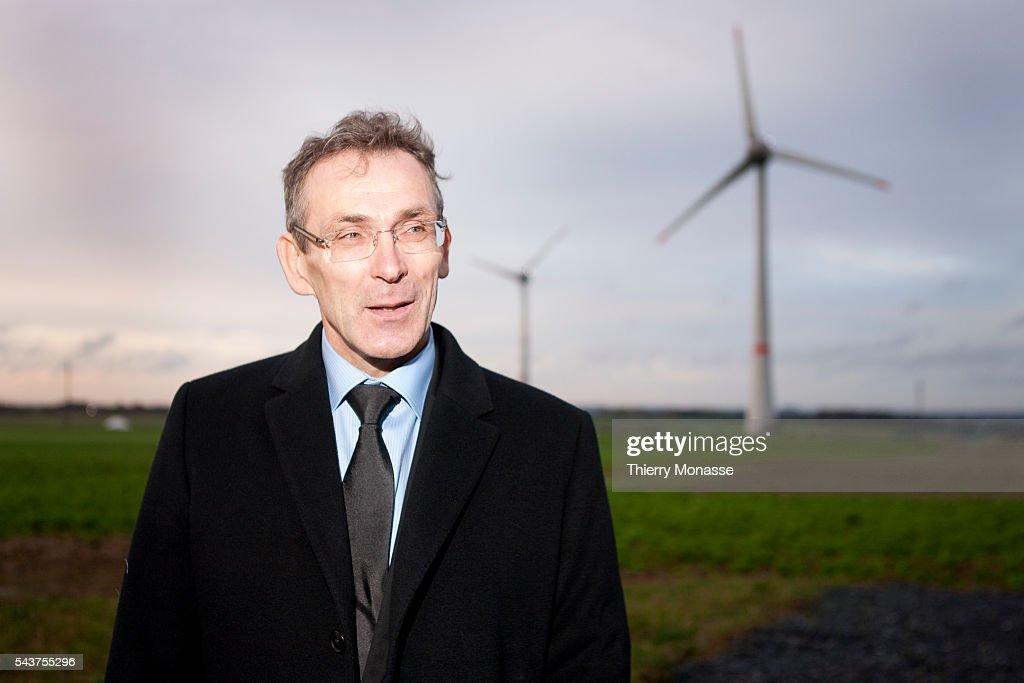 European Energy Commissioner Andris Piebalgs inaugurates the world's first wind park with giant 7MW wind turbines | Location Estinnes Hainaut Belgium