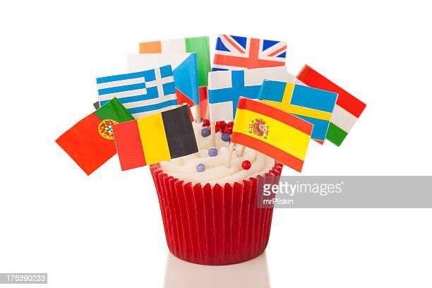 Banderas europeas en taza pastel