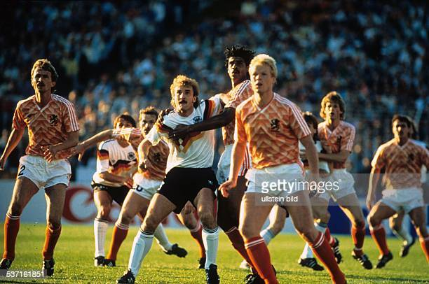 UEFA European Football Championship 1988 final_tournament in Germany semifinal in Hamburg Fed Rep of Germany vs the Netherlands 12 duel between Rudi...