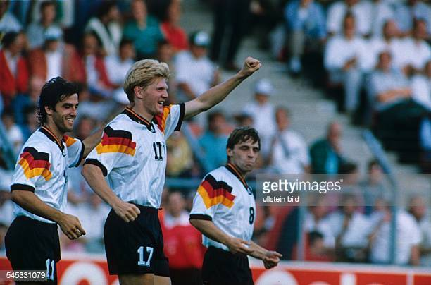 UEFA European Football Championship 1992 final_tournament in Sweden group 2 in Norrköping Scotland vs Germany 02 scene of the match goal cheer...