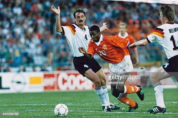 UEFA European Football Championship 1992 final_tournament in Sweden group 2 in Gothenburg Netherlands vs Germany 31 scene of the match fltr Jürgen...