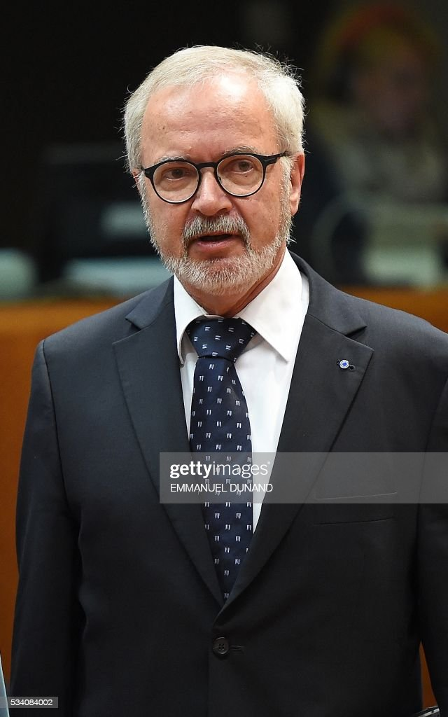 European Investment Bank President Werner Hoyer attends an Economic and Financial (ECOFIN) Affairs Council meeting at the European Council, in Brussels, on May 25, 2016. / AFP / EMMANUEL