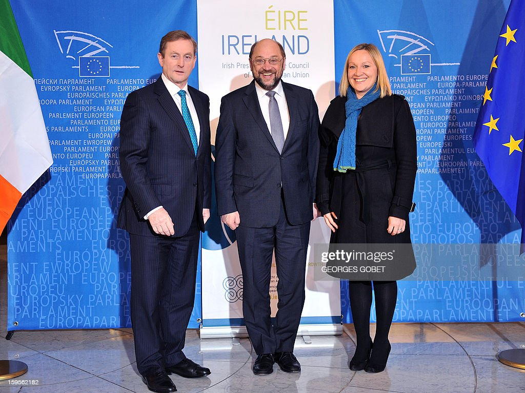 European Parliament President Martin Schulz (C) poses flanked by Irish Prime Minister Enda Kenny (L) and Irish minister of State for European Affairs Lucinda Creighton on January 16, 2013 at the European Parliament in Strasbourg. Kenny told top EU officials that resolving the bank debt issue was a priority for the country's six-month EU presidency which runs to June.