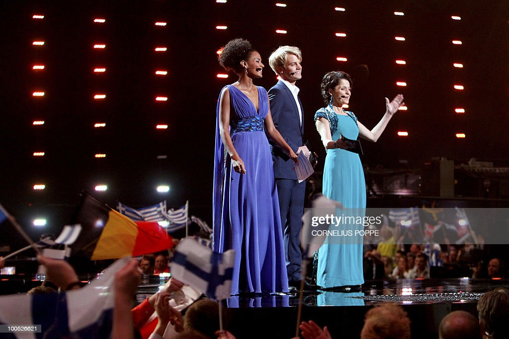 Eurovision Song Contest hosts Haddy Jatou N'jie (L), Erik Solbakken (C) and Nadia Hasnaoui are pictured prior to the semi-finals of the Eurovision Song Contest in Telenor Arena in Baerum, Norway, on May 25, 2010. AFP PHOTO/NORWAY/Cornelius Poppe ==NORWAY