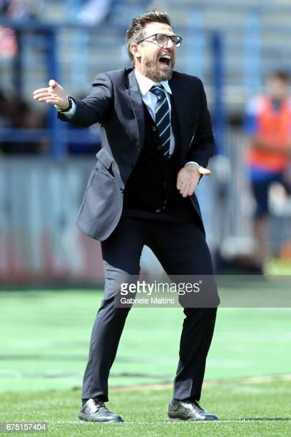 Eusebio Di Francesco manager of US Sassuolo gestures during the Serie A match between Empoli FC and US Sassuolo at Stadio Carlo Castellani on April...