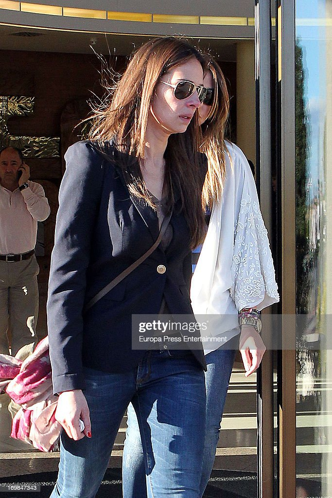 <a gi-track='captionPersonalityLinkClicked' href=/galleries/search?phrase=Eva+Gonzalez&family=editorial&specificpeople=242818 ng-click='$event.stopPropagation()'>Eva Gonzalez</a> visits the chapel of rest for Mario Biondo at Tanatorio Parcesa on May 31, 2013 in Madrid, Spain. Spanish television presenter Raquel Sanchez Silva found her 36 year-old-husband, Italian cameraman Mario Biondo, dead at their home after returning from work on May 30.
