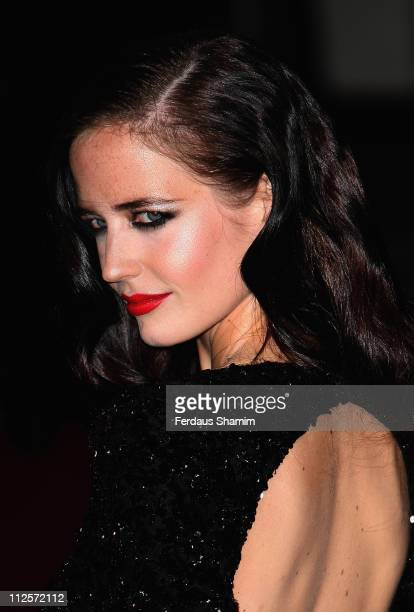 Eva Green arrives at 'The Golden Compass' world premiere held at the Odeon Leicester Square on November 27 2007 in London England