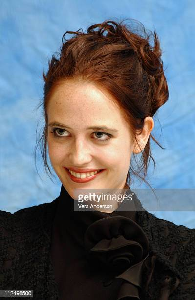 Eva Green during 'Kingdom of Heaven' Press Conference with Orlando Bloom Eva Green Jeremy Irons Liam Neeson and Ridley Scott at Huntington...