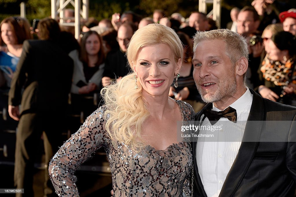 <a gi-track='captionPersonalityLinkClicked' href=/galleries/search?phrase=Eva+Habermann&family=editorial&specificpeople=224519 ng-click='$event.stopPropagation()'>Eva Habermann</a> and Ingo Wohlfeil attend the Deutscher Fernsehpreis 2013 at the Coloneum on October 2, 2013 in Cologne, Germany.