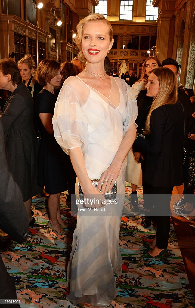 <a gi-track='captionPersonalityLinkClicked' href=/galleries/search?phrase=Eva+Herzigova&family=editorial&specificpeople=156428 ng-click='$event.stopPropagation()'>Eva Herzigova</a> attends as Christian Dior showcases its spring summer 2017 cruise collection at Blenheim Palace on May 31, 2016 in Woodstock, England.