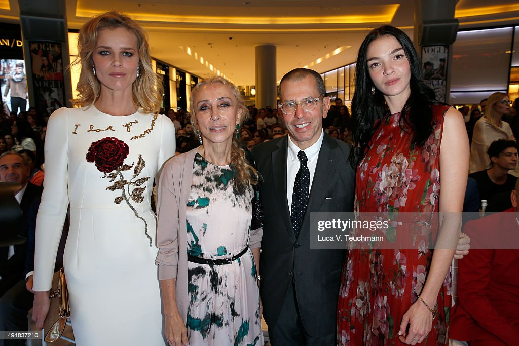 <a gi-track='captionPersonalityLinkClicked' href=/galleries/search?phrase=Eva+Herzigova&family=editorial&specificpeople=156428 ng-click='$event.stopPropagation()'>Eva Herzigova</a>, Editor-in Chief of Vogue Italia <a gi-track='captionPersonalityLinkClicked' href=/galleries/search?phrase=Franca+Sozzani&family=editorial&specificpeople=639425 ng-click='$event.stopPropagation()'>Franca Sozzani</a> and Chief Executive Officer, Chairman of Conde Nast International, <a gi-track='captionPersonalityLinkClicked' href=/galleries/search?phrase=Jonathan+Newhouse&family=editorial&specificpeople=651394 ng-click='$event.stopPropagation()'>Jonathan Newhouse</a>, and <a gi-track='captionPersonalityLinkClicked' href=/galleries/search?phrase=Mariacarla+Boscono&family=editorial&specificpeople=614984 ng-click='$event.stopPropagation()'>Mariacarla Boscono</a> attend the Talents Fashion show during the Vogue Fashion Dubai Experience 2015 at The Dubai Mall on October 29, 2015 in Dubai, United Arab Emirates.