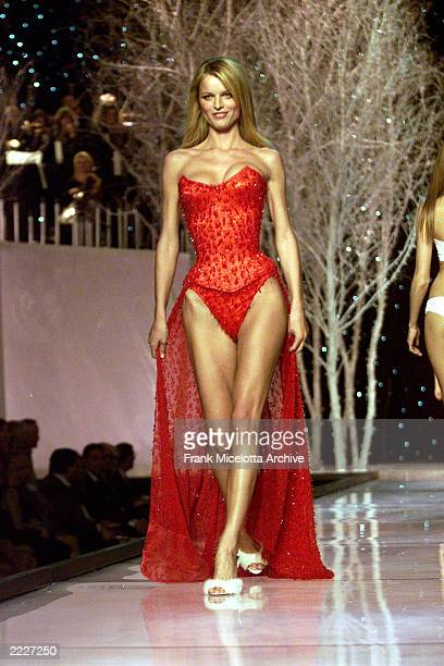 Eva Herzigova on the runway at the Victoria's Secret Fashion Show 2001 in Bryant Park New York City 11/13/01 The show will air on ABC Television on...