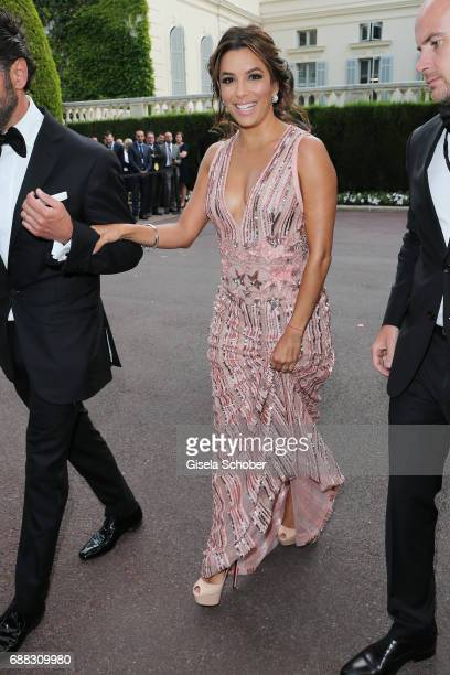 Eva Longoria arrives at the amfAR Gala Cannes 2017 at Hotel du CapEdenRoc on May 25 2017 in Cap d'Antibes France