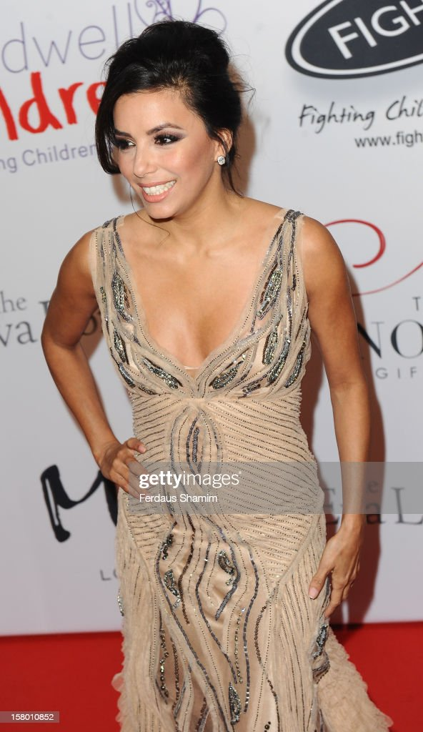 <a gi-track='captionPersonalityLinkClicked' href=/galleries/search?phrase=Eva+Longoria&family=editorial&specificpeople=202082 ng-click='$event.stopPropagation()'>Eva Longoria</a> attends the Noble Gift Gala at The Dorchester on December 8, 2012 in London, England.