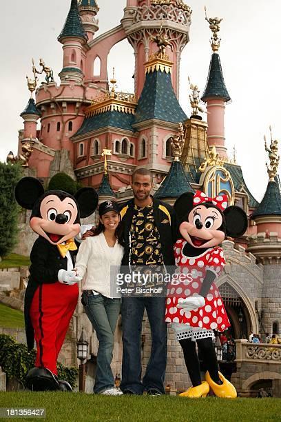 Eva Longoria Verlobter Tony Parker Mickey Maus Minnie Maus VorHochzeitsreise Besuch 'Disneyland Resort Paris' 2 Tage vor s t a n d e s a m t l i c h...