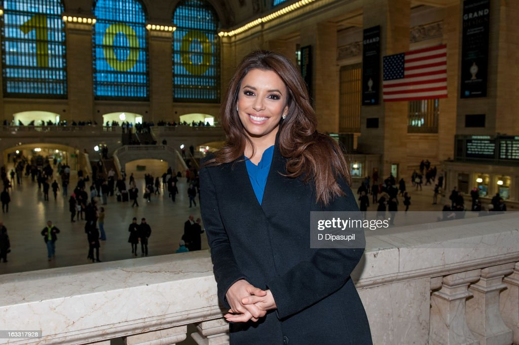 <a gi-track='captionPersonalityLinkClicked' href=/galleries/search?phrase=Eva+Longoria&family=editorial&specificpeople=202082 ng-click='$event.stopPropagation()'>Eva Longoria</a> visits 'Extra' at Michael Jordan's The Steak House N.Y.C. in Grand Central Terminal on March 7, 2013 in New York City.